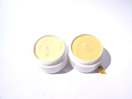1. Crema cu cocos, morcov si castravete pentru ten normal/mixt 2. Crema cu galbenele, catina si morcov pentru ten normal/uscat